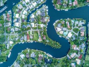 neighborhoods in Florida like this one are what makes Florida such a great place to retire to.