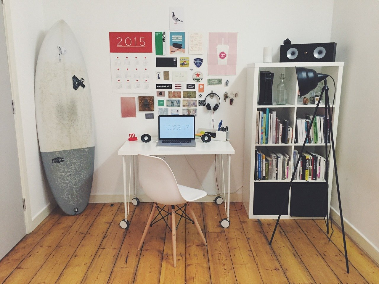 a home office, representing how to get along with your landlord