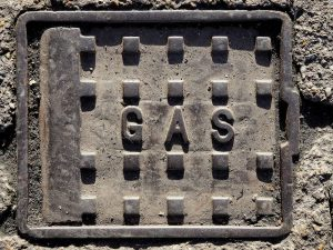 a sign that says gas