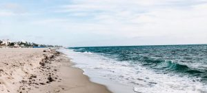 visit a beach after moving with Coral Springs movers!