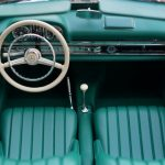 Interior of an turquoise old-timer in our car storage guide