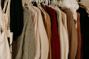 declutter your walk-in closet before you move